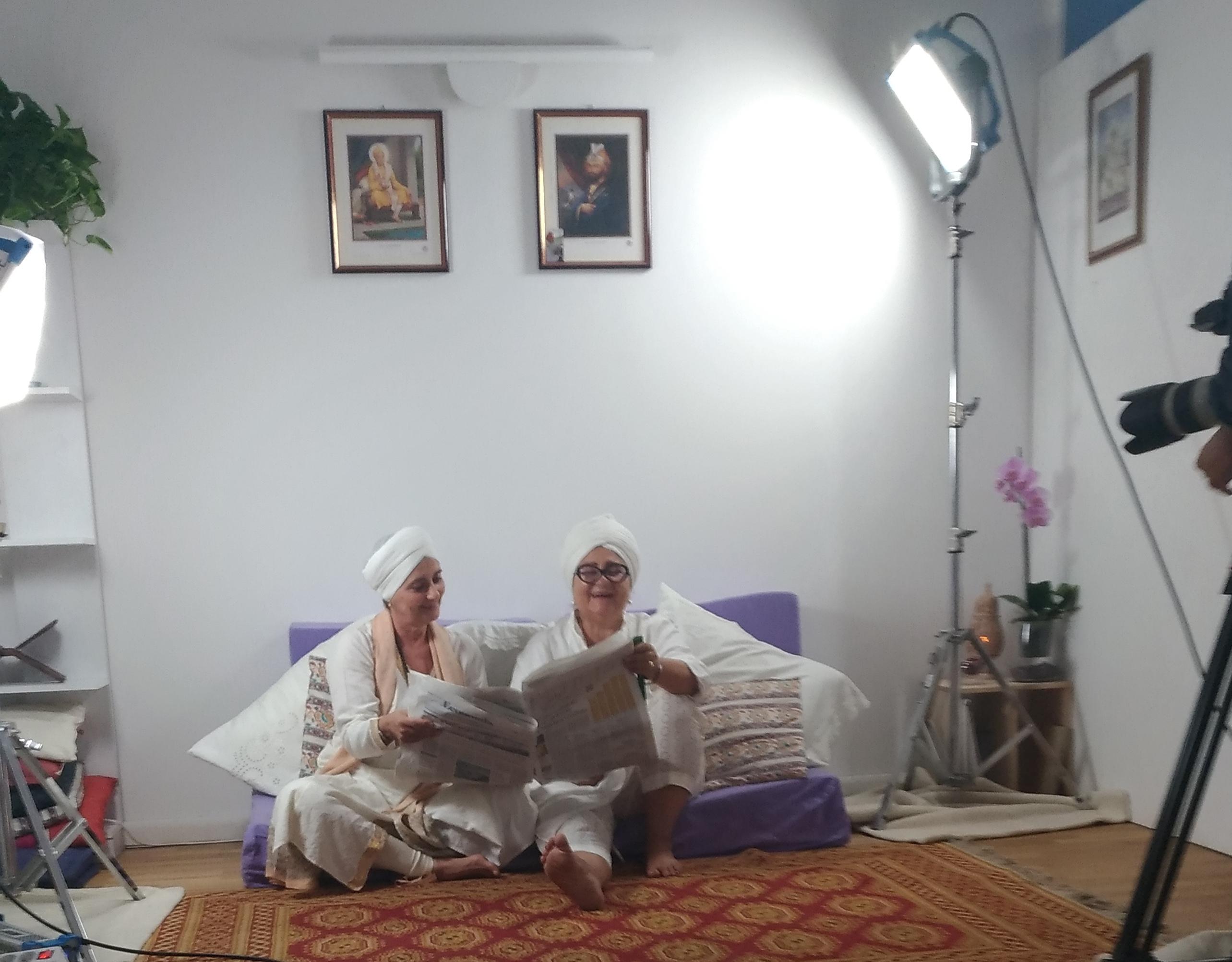 """Lettura delle notizie a Shakti YogaLab per """"Senso comune"""""""